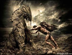 ängel y criatura de madera